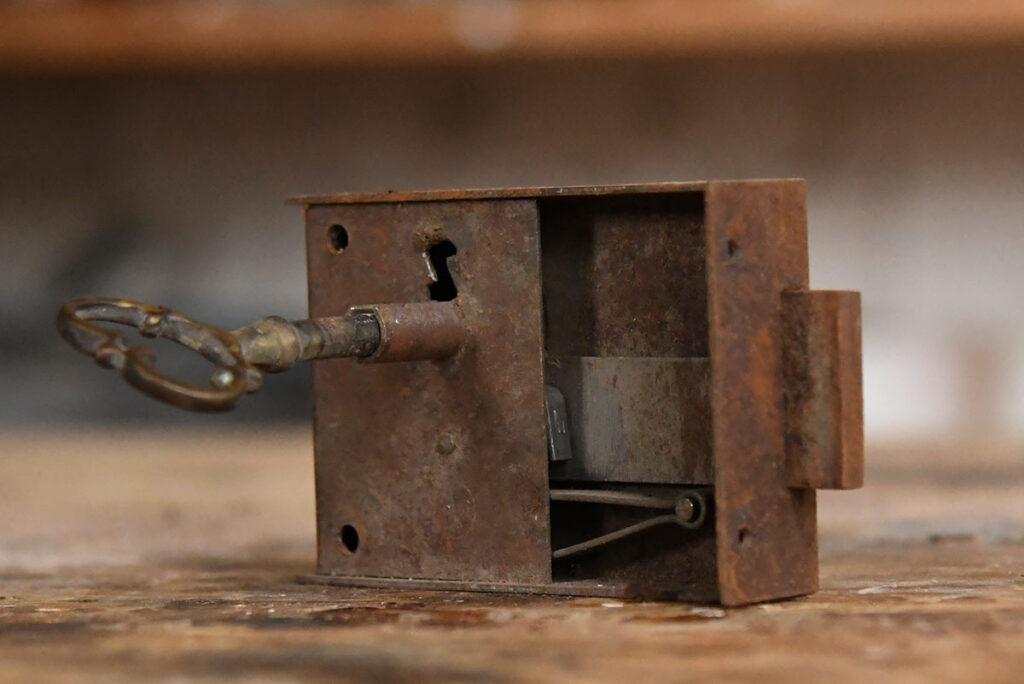 restauro-mobili-antichi-antiquariato-asolo-bernardi-treviso-vicenza-03