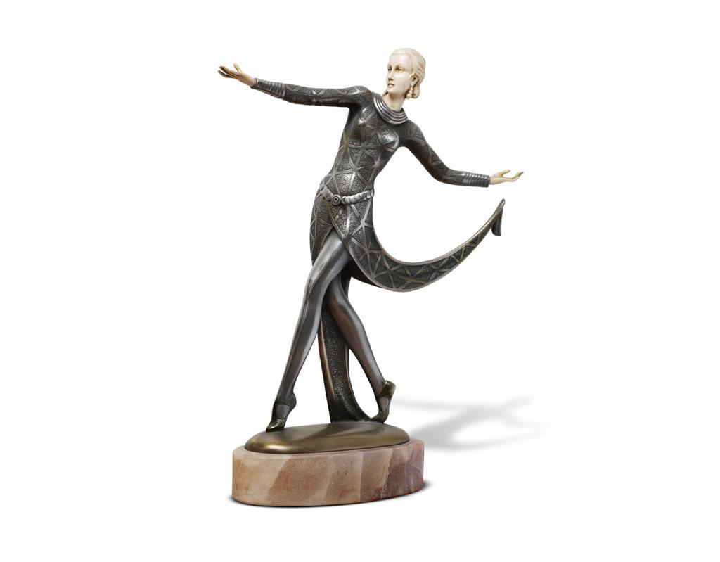 Criselefantina-deco-anni-20-raffigurante-una-danzatrice-Firmata-Lorenzi-vendita-arredamento-di-design-asolo-treviso-vicenza-italia