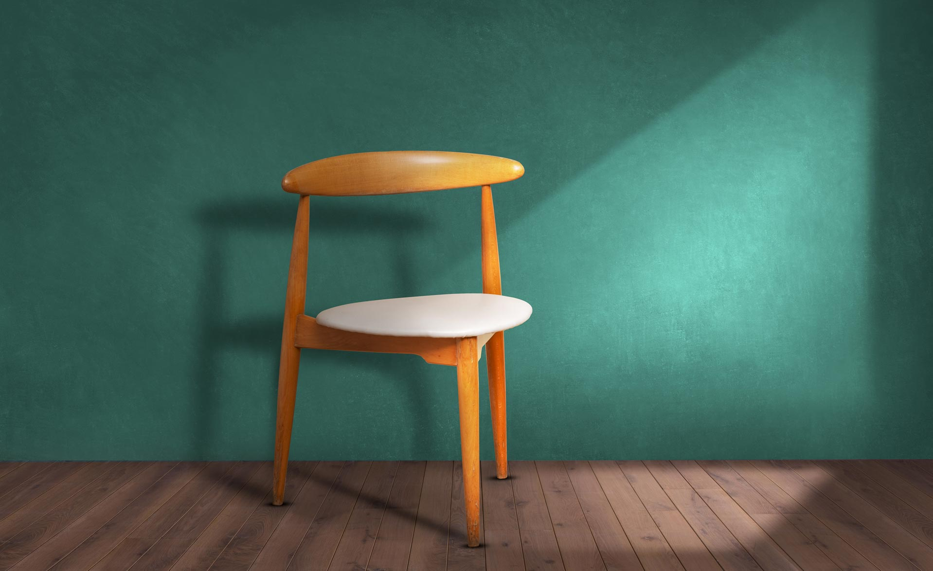 Sedia-a-cuore-Hans-Wegner-per-Fritz-Hansen-anni-50-vendita-arredamento-di-design-asolo-treviso-vicenza-italia-a2