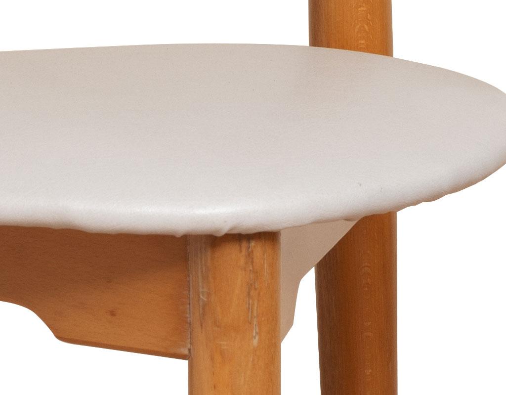 Sedia-a-cuore-Hans-Wegner-per-Fritz-Hansen-anni-50-vendita-arredamento-di-design-asolo-treviso-vicenza-italia-b
